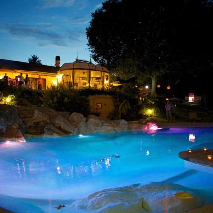 Location con piscina ad arcore matrimoni e feste for Piscina arcore