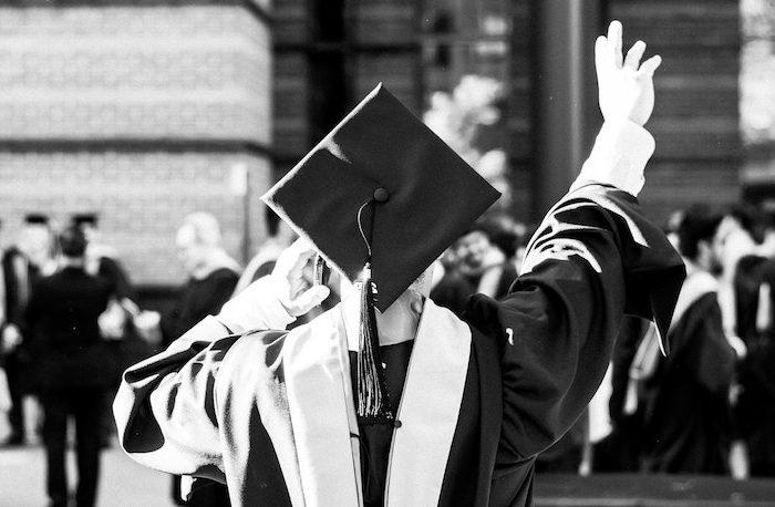 Cosa regalare per la laurea: idee originali per il neodottore