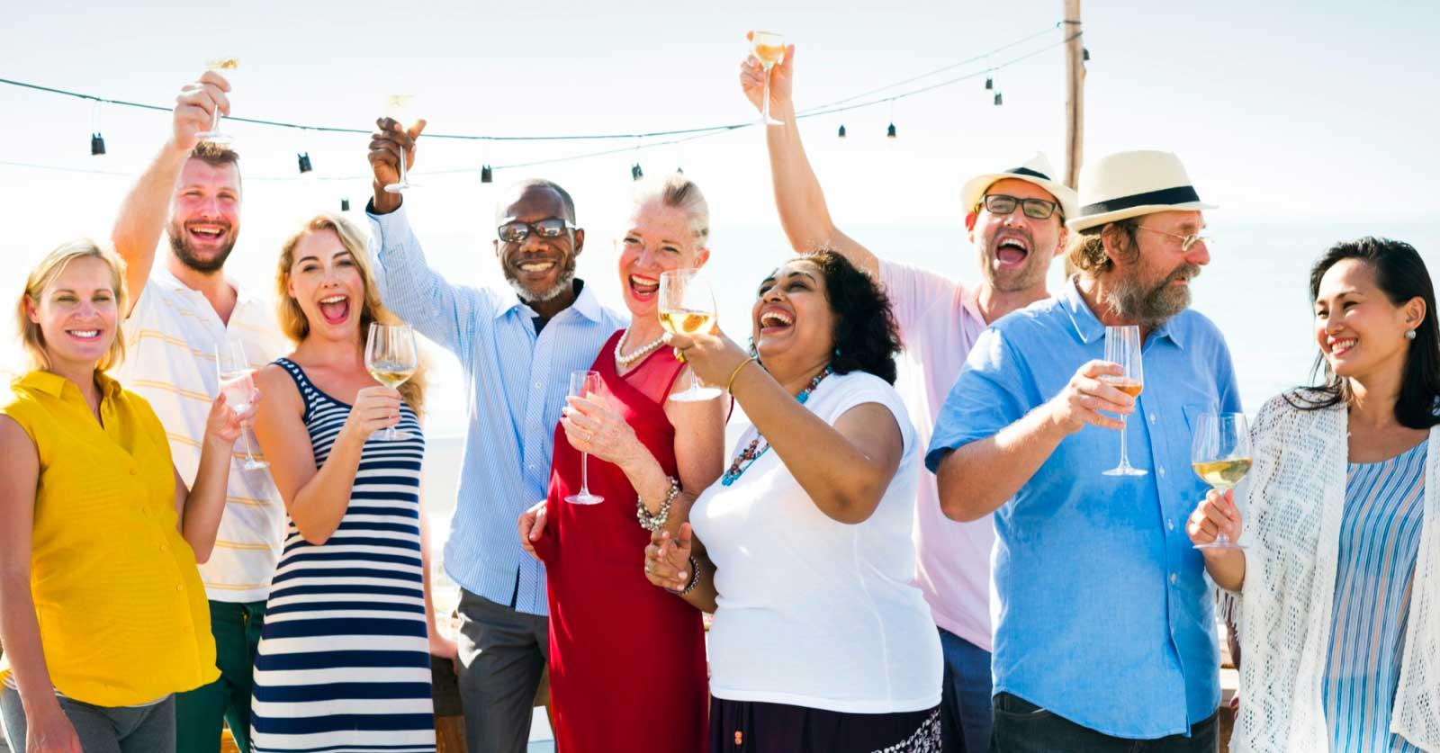 Ecco i giochi di gruppo per adulti da fare alle feste!